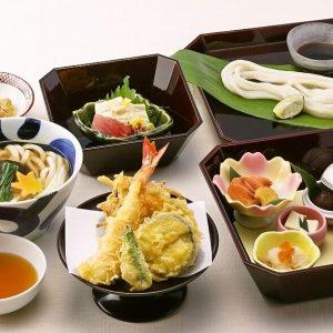 お昼の会食は心斎橋の和食店「にし家」へお越しください