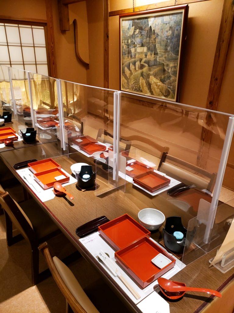 心斎橋でうどんちりが安心の席配置で堪能できる和食店【うどんちり本家 にし家本店】